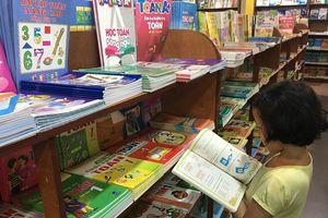 Dân chủ trong chọn sách giáo khoa sẽ vô hiệu hóa nhóm lợi ích