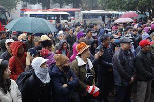 Giáp Tết lạnh giá, gần 400 bệnh nhân về quê trên các chuyến xe '0 đồng'