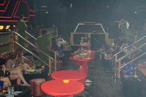 Hàng chục dân chơi phê ma túy thủ súng đạn trong quán Holiday Club