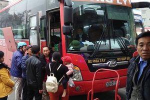 Hà Nội 'tung' lực lượng liên ngành chống ùn tắc giao thông tại 72 điểm 'nóng' dịp Tết