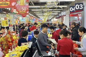 Chủ nhật cuối cùng năm cũ, siêu thị 'nghẹt thở' người sắm Tết