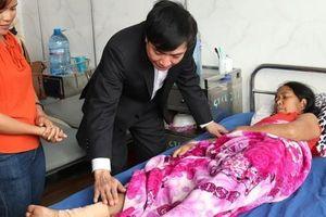 Bí thư Đắk Lắk vận động gần 3.000 suất quà và 7 tấn quần áo tặng người nghèo