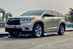 Toyota Highlander có ghế thương gia hơn 2,4 tỷ tại Việt Nam