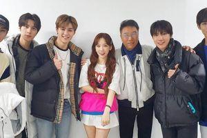 Được 'cưng' như Taeyeon: Đích thân chủ tịch Lee Soo Man dẫn theo dàn hậu bối đến tham dự concert 'The Unseen'
