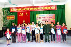 Tạp chí Khoa học Phát triển Nông thôn Việt Nam đồng hành với Tết vì người nghèo ở Hà Tĩnh