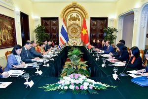 Tham khảo chính trị Việt Nam-Thái Lan