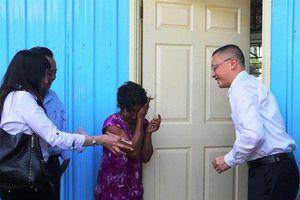 Trao nhà mới cho các gia đình gốc Việt bị hỏa hoạn tại Cambodia