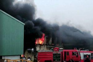Cháy cơ sở sản xuất bao bì ở Ninh Bình, 10 tấn hàng hóa bị thiêu rụi
