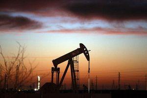Giá dầu có thể sẽ vọt cao do gián đoạn bất ngờ về nguồn cung