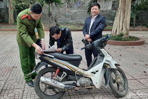 Nhận lại xe máy bị mất cắp ngày cận Tết