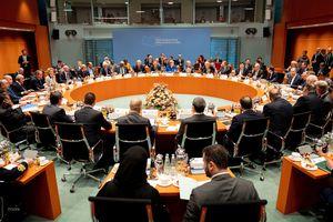 Các bên nhất trí duy trì cấm vận vũ khí, chấm dứt đưa vũ khí vào Libya