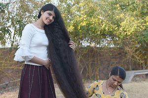 'Công chúa tóc mây' Ấn Độ giữ vững danh hiệu