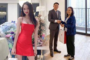 Hoa hậu Hương Giang 'chơi lớn' tặng mẹ căn hộ tiền tỷ nhân dịp sinh nhật