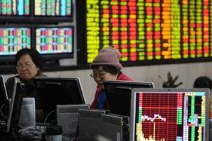 Trung Quốc giữ nguyên lãi suất, cứu chứng khoán khỏi phiên lao dốc