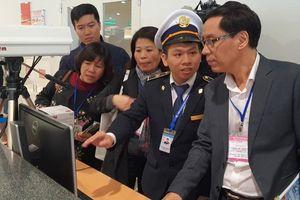 Bộ Y tế kiểm tra công tác phòng, chống bệnh dịch viêm phổi cấp do vi-rút mới tại sân bay Nội Bài