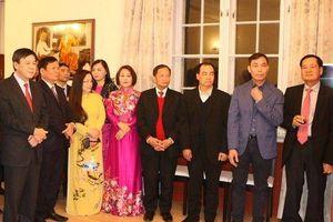 Đại sứ quán Việt Nam tại Czech tổ chức đón Tết cổ truyền Canh Tý