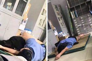 Thông tin mới vụ bác sĩ 'ôm sinh viên ngủ trong ca trực' ở Nghệ An