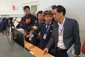 Bộ Y tế kiểm tra việc phòng, chống viêm phổi cấp tại sân bay Nội Bài