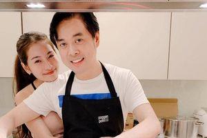Nhạc sĩ Dương Khắc Linh chiều vợ trẻ kém 13 tuổi đến mức nào?