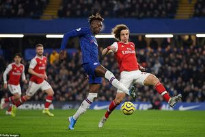 Chelsea-Arsenal hòa kịch tính, Man.City thắng khó đội cửa dưới