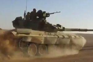 Xe tăng Nga sẽ 'nghiền nát' trạm kiểm soát của lính Mỹ?