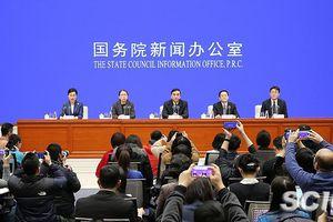 Trung Quốc cảnh báo virus corona mới có thể lây từ người sang người