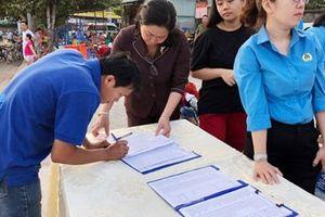 Những chuyến xe nghĩa tình đưa công nhân về quê đón Tết