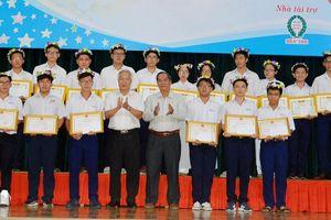 Học sinh giỏi Bến Tre được thưởng 6-15 triệu đồng