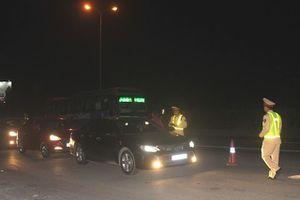 Mánh khóe của tài xế sử dụng rượu bia tránh chốt kiểm tra nồng độ cồn trên quốc lộ 5