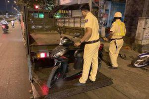 Bị cướp giật trên đường về quê ăn Tết, đôi nam nữ được CSGT 'hộ tống' về nhà trọ