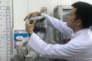 Ghi nhận 2 ca bệnh nhiễm chủng mới của virus Corona, Bộ Y tế họp khẩn