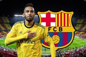 Aubameyang phải trở mặt với Arsenal để tới Barca