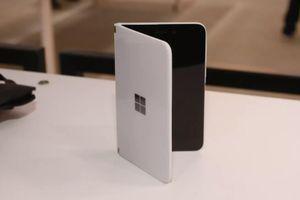 Hé lộ cách hoạt động của di động màn gập Surface Duo từ Microsoft