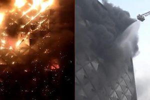 Tòa nhà 10 tầng bị bốc cháy tại Ấn Độ