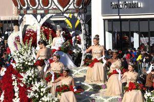 Rực rỡ sắc màu của lễ diễu hành hoa hồng