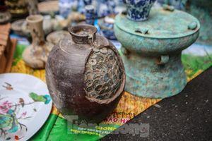 'Thời ông bà anh' ở phiên chợ Tết kỳ lạ đất Hà Thành