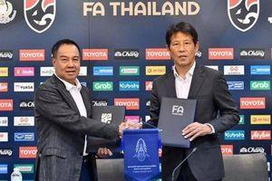 HLV Nishino chỉ ra điểm mấu chốt để bóng đá Thái Lan đi lên