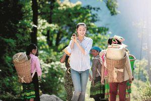 Hoa hậu Lương Thùy Linh: Tết là yêu thương, Tết sẻ chia!