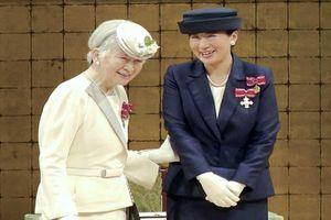 Ngưỡng mộ tài sắc hai vị Hoàng hậu Nhật Bản xuất thân thường dân