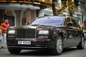 Xe siêu sang Rolls-Royce Phantom xấp xỉ 100 tỷ ở Hà Nội