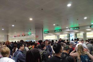 Sân bay Nội Bài thắt chặt kiểm soát khách nhập cảnh