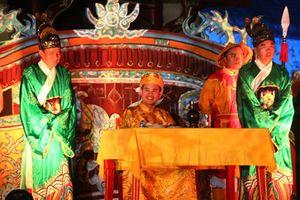 Các vị vua Việt đón Tết Nguyên đán trong cung đình như thế nào?