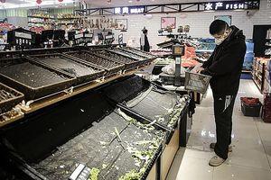 Tết hay 'ngày tận thế': Vũ Hán tiêu điều, hàng hóa khan hiếm, giá rau tăng gấp 10 lần mà vẫn thiếu