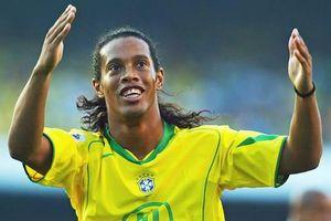 Thử thách sút bóng chạm cột và xà cùng Ronaldinho