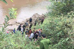 Kinh hãi phát hiện thi thể cô gái bị chôn bên bờ suối vào ngày mùng 2 Tết