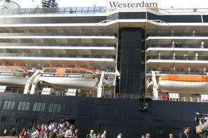 1.250 khách quốc tế 'xông đất' thành phố Đà Nẵng bằng đường biển