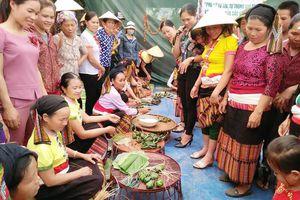 Hội Xuân trên bản làng miền Tây Nghệ An