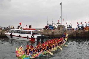 Ngư dân Đảo Tỏi cấp tập chuẩn bị cho lễ hội đua thuyền truyền thống
