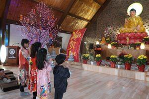 Chùa Việt ngày Tết : Tết Việt ở chùa Hạnh Phúc (Hoa Kỳ)