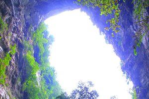 Khám phá hang động Quảng Bình: Từ Thiên Ðường xuống… cõi Tiên